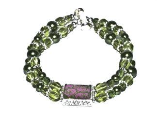 Tvåradigt armband gröna glaspärlor