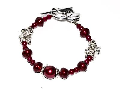 Pärlarmband röda glaspärlor