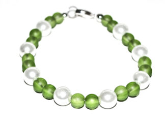Pärlarmband gröna vita glaspärlor
