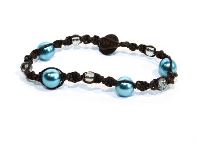 Makraméarmband brun blå transparenta