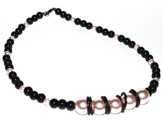 Halsband svarta rosa glaspärlor