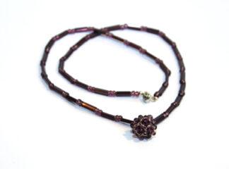Halsband lila glaspärlor