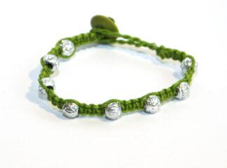 Makraméarmband grön silverfärgade