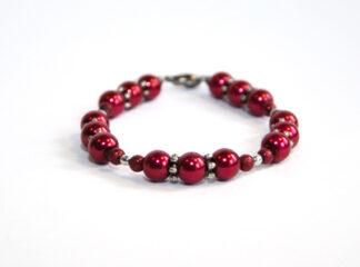 Pärlarmband röda