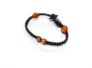 Makraméarmband svart orangea