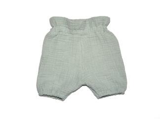 ljusgröna shorts
