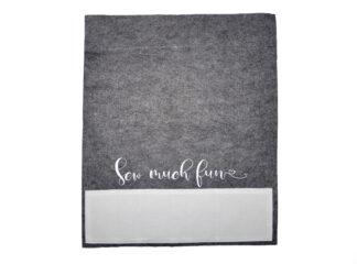 Symaskinsmatta i filt med små fack